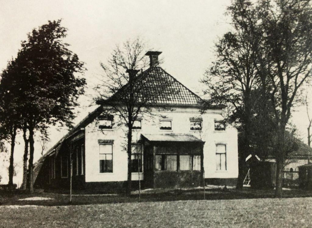 De boerderij in 1939 (Foto Pastoor)